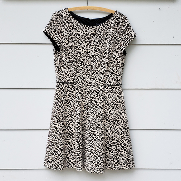 Jessica Howard Dresses & Skirts - Jessica Howard Fit & Flare Leopard Print Dress -14